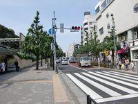 JR原宿駅竹下口を出ます